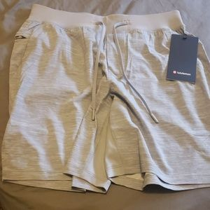 "Lululemon short 7"" linerless"